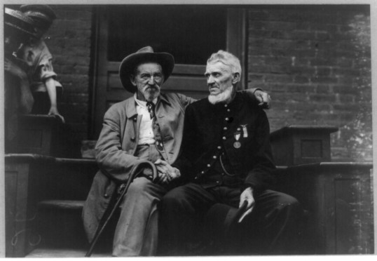 Union and Confederate veterans at Gettysburg, 1913 (Library of Congress)